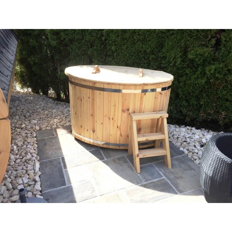 vildmarksbad med fast br ndsel ovn og plads til 6 14 personer. Black Bedroom Furniture Sets. Home Design Ideas